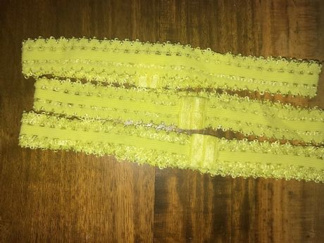 3 x PRE MADE SIZE 3/4 WIDE YELLOW FRILLY EDGED ELASTIC HEADBANDS (7)